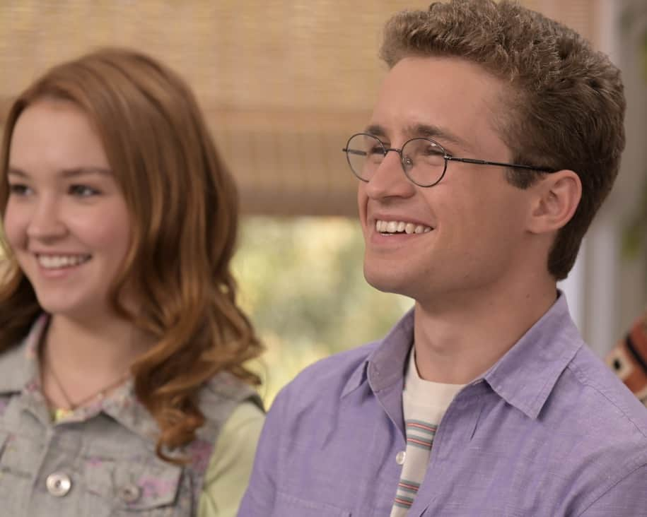 """THE GOLDBERGS Season 8 Episode 22 - """"The Proposal"""" – Geoff shares with the JTP that he is planning on asking Erica to marry him and gives them the engagement ring for safekeeping. Like any good romantic comedy, several miscommunications and misunderstandings between Geoff and Erica's friends and family result in a potential derailing of the proposal, forcing Adam to step in to keep the couple's special moment alive on the season finale of """"The Goldbergs,"""" WEDNESDAY, MAY 19 (8:00-8:30 p.m. EDT), on ABC. (ABC/Temma Hankin) SADIE STANLEY, SEAN GIAMBRONE"""