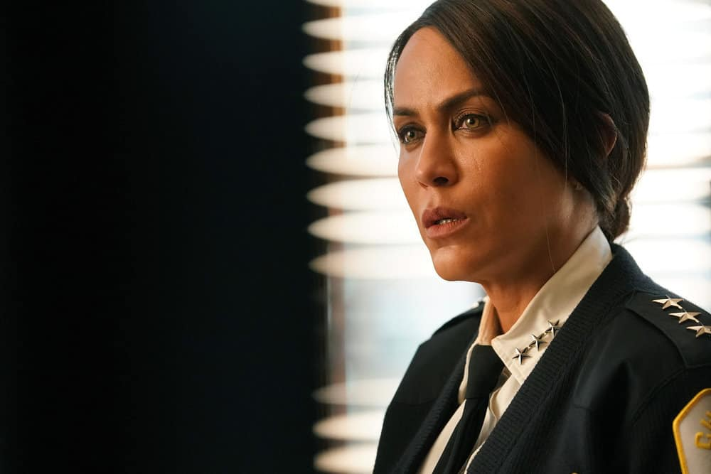 """CHICAGO PD Season 8 Episode 15 -- """"The Right Thing"""" Episode 815 -- Pictured: Nicole Ari Parker as Samantha Miller -- (Photo by: Lori Allen/NBC)"""