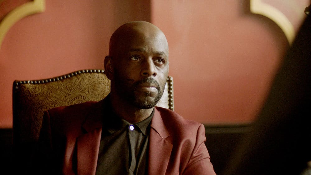 """QUEEN OF THE SOUTH Season 5 Episode 7-- """"The Fox in the Hen House"""" Episode 507 -- Pictured in this screengrab: Alimi Ballard as Marcel Dumas -- (Photo by: USA Network)"""