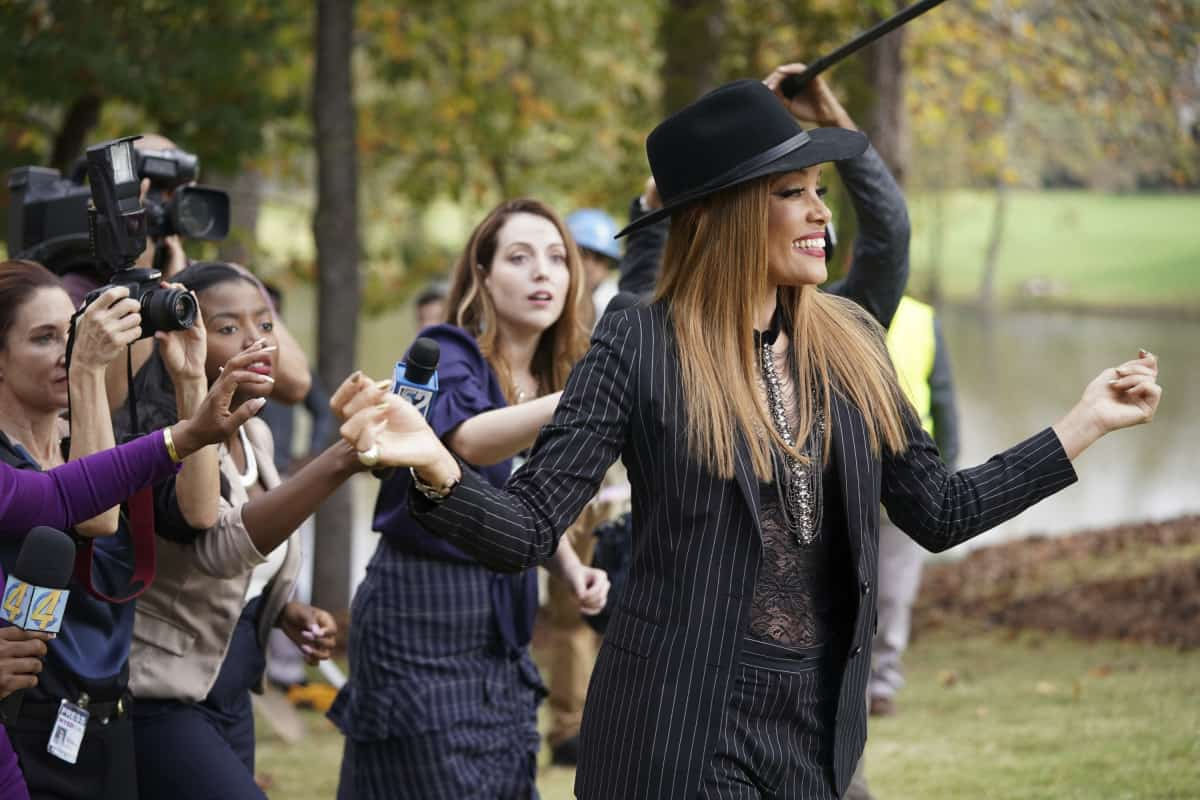 """DYNASTY Season 4 Episode 3 -- """"The Aftermath"""" -- Image Number: DYN403a_0142r.jpg -- Pictured: Michael Michele as Dominique -- Photo: Eliza Morse/The CW -- © 2021 The CW Network, LLC. All Rights Reserved"""