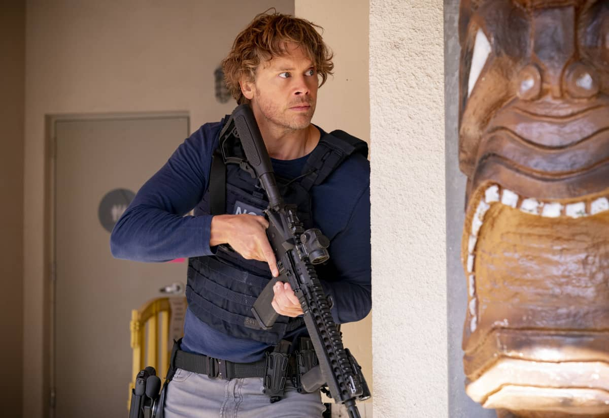 """NCIS LOS ANGELES Season 12 Episode 18 """"A Tale of Two Igors"""" – Deeks is kidnapped by an associate of Kirkin's (Ravil Isyanov) in need of his help and NCIS investigates the shooting of a militarized dolphin equipped with a Russian microchip. Also, Beale makes Nell an interesting offer and Hetty returns, on the 12th season finale of NCIS: LOS ANGELES, Sunday, May 23 (9:00-10:00 PM, ET/PT) on the CBS Television Network.  Pictured: Eric Christian Olsen as Investigator Marty Deeks . Photo: CBS ©2021 CBS Broadcasting, Inc. All Rights Reserved."""