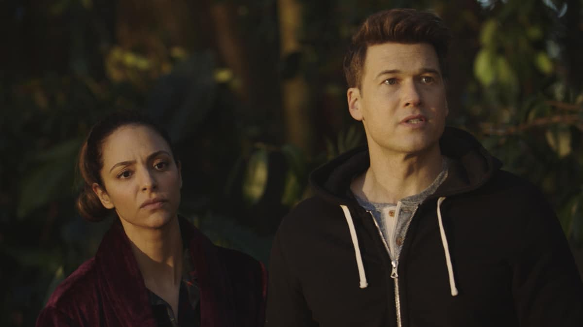"""LEGENDS OF TOMORROW Season 6 Episode 4-- """"Bay of Squids"""" -- Image Number: LGN604fg_0012r.jpg -- Pictured (L-R): Tala Ashe as Zari and Nick Zano as Nate Heywood/Steel  -- Photo: The CW -- © 2021 The CW Network, LLC. All Rights Reserved."""