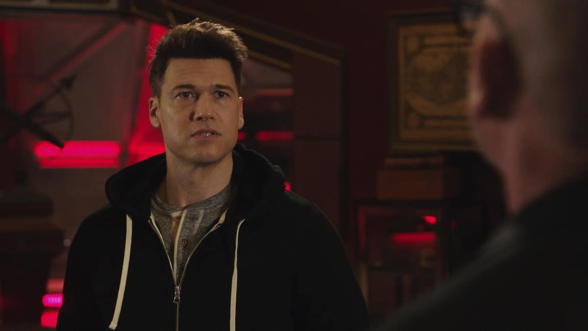 """LEGENDS OF TOMORROW Season 6 Episode 4-- """"Bay of Squids"""" -- Image Number: LGN604fg_0009r.jpg -- Pictured:  Nick Zano as Nate Heywood/Steel -- Photo: The CW -- © 2021 The CW Network, LLC. All Rights Reserved."""