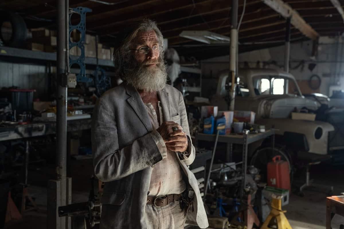 FEAR THE WALKING DEAD Season 6 Episode 14 John Glover as Teddy- Fear the Walking Dead _ Season 6, Episode 14 - Photo Credit: Ryan Green/AMC