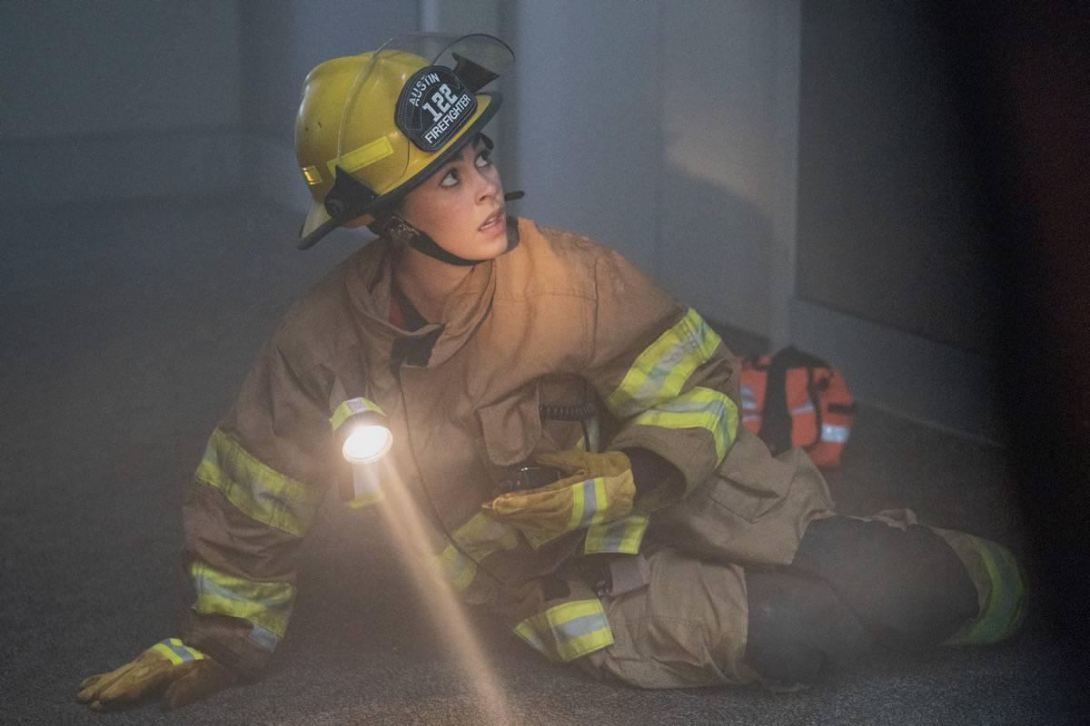 "9-1-1 LONE STAR Season 2 Episode 14: Natacha Karam in the ""Dust to Dust"" season finale episode of 9-1-1: LONE STAR airing Monday, May 24 (9:01-10:00 PM ET/PT) on FOX. © 2021 Fox Media LLC. CR: Jack Zeman/FOX."
