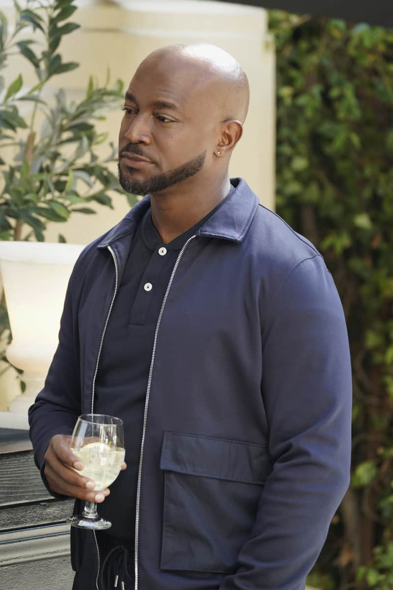 """ALL AMERICAN Season 3 Episode 13-- """"Bring The Noise"""" -- Image Number: ALA313b_0244r.jpg -- Pictured (L-R): Taye Diggs as Billy -- Photo: Bill Inoshita/The CW -- © 2021 The CW Network, LLC. All Rights Reserved"""