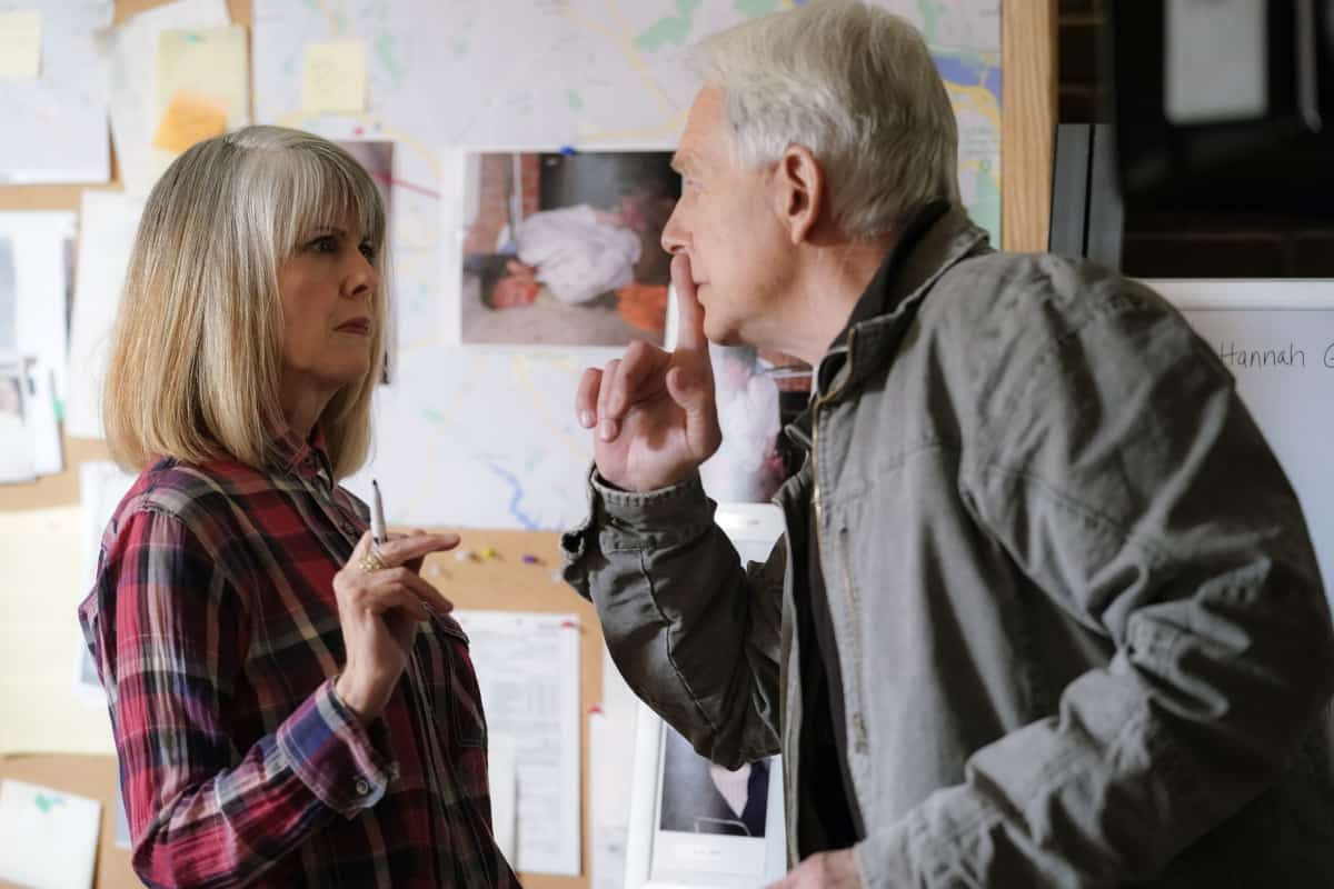 """NCIS Season 18 Episode 16 """"Rule 91"""" – While pursuing a dangerous arms dealer, the team is shocked when Bishop is implicated in an old NSA leak. Also, Gibbs and Marcie (Pam Dawber) realize that the killer they've been tracking may be onto them, on the 18th season finale of NCIS, Tuesday, May 25 (8:00-9:00 PM, ET/PT), on the CBS Television Network. Pictured: Pam Dawber as Marcie Warren, Mark Harmon as NCIS Special Agent Leroy Jethro Gibbs. Photo: Cliff Lipson/CBS ©2021 CBS Broadcasting, Inc. All Rights Reserved."""