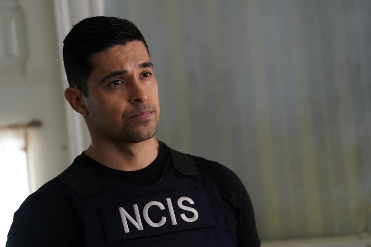 """NCIS Season 18 Episode 16 """"Rule 91"""" – While pursuing a dangerous arms dealer, the team is shocked when Bishop is implicated in an old NSA leak. Also, Gibbs and Marcie (Pam Dawber) realize that the killer they've been tracking may be onto them, on the 18th season finale of NCIS, Tuesday, May 25 (8:00-9:00 PM, ET/PT), on the CBS Television Network. Pictured: Wilmer Valderrama as NCIS Special Agent Nicholas """"Nick"""" Torres.   Photo: Cliff Lipson/CBS ©2021 CBS Broadcasting, Inc. All Rights Reserved."""