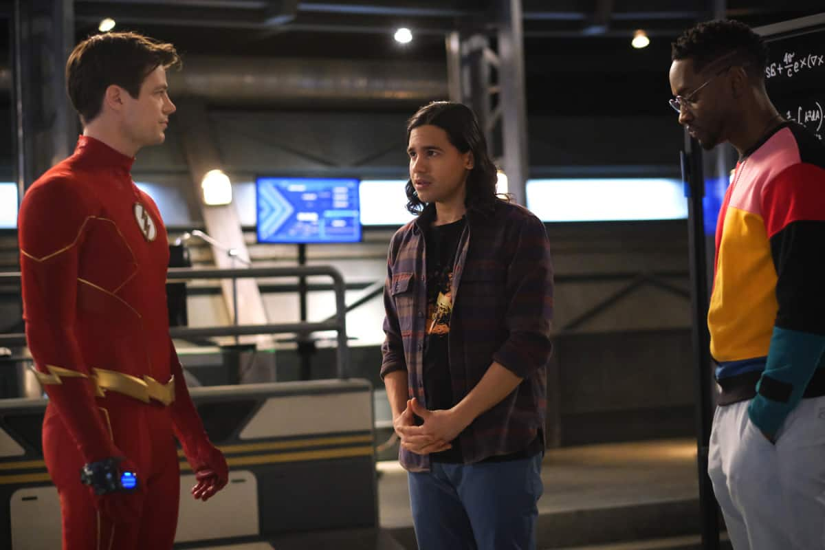"""THE FLASH Season 7 Episode 11 -- """"Family Matters, Part 2"""" -- Image Number: FLA711a_0149r.jpg -- Pictured (L-R): Grant Gustin as Barry Allen/The Flash, Carlos Valdes as Cisco Ramon and Brandon McKnight as Chester P. Runk -- Photo: Bettina Strauss/The CW -- © 2021 The CW Network, LLC. All Rights Reserved.Photo Credit: Bettina Strauss"""