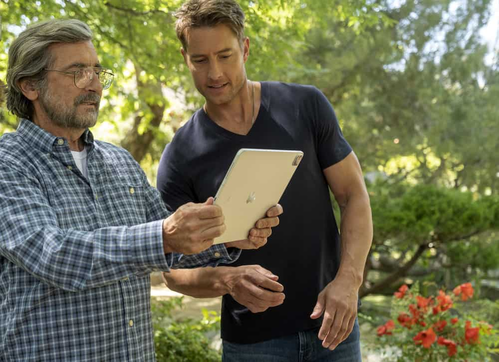 """THIS IS US Season 5 Episode 16-- """"The Adirondacks"""", Episode 516 -- Pictured: (l-r) Griffin Dunne as Nicky, Justin Hartley as Kevin -- (Photo by: Ron Batzdorff/NBC)"""
