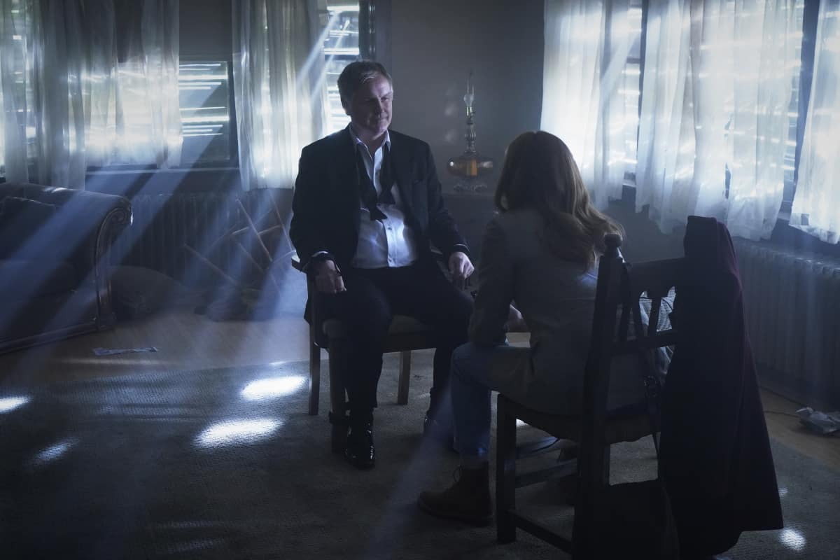 """NANCY DREW Season 2 Episode 17 -- """"The Judgement of the Perilous Captive"""" -- Image Number: NCD217a_0351r.jpg -- Pictured (L-R): Andrew Airlie as Everett Hudson and Kennedy McMann as Nancy -- Photo: Shane Harvey/The CW -- © 2021 The CW Network, LLC. All Rights Reserved."""