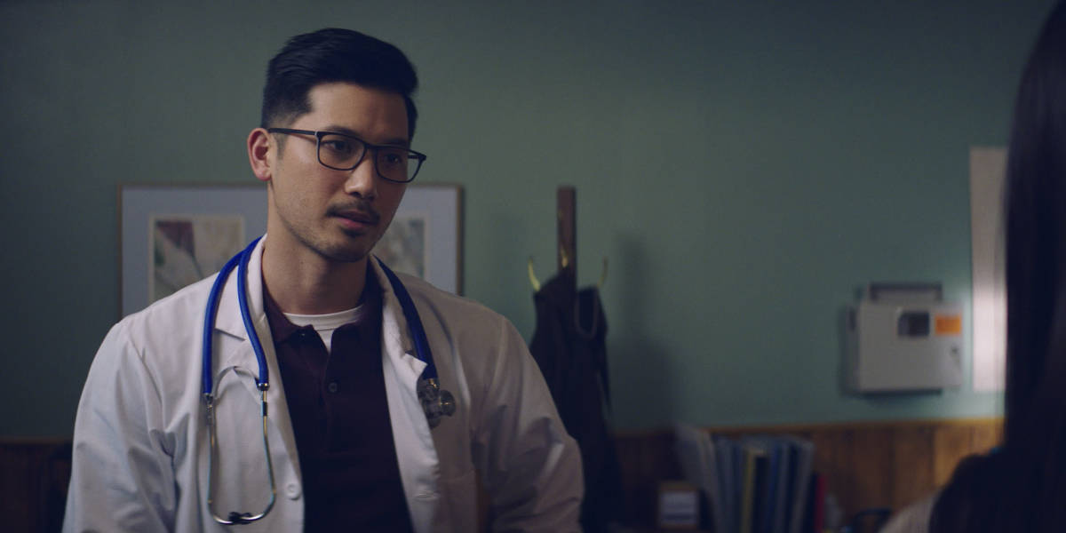 """KUNG FU Season 1 Episode 7 -- """"Guidance"""" -- Image Number: KF107a_0002r.jpg -- Pictured: Jon Prasida as Ryan -- Photo: The CW -- © 2021 The CW Network, LLC. All Rights Reserved"""