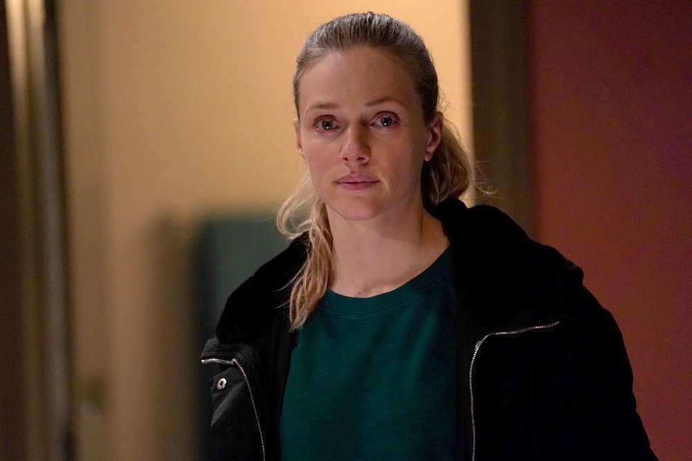 CHICAGO PD Season 8 Episode 16 Photos The Other Side