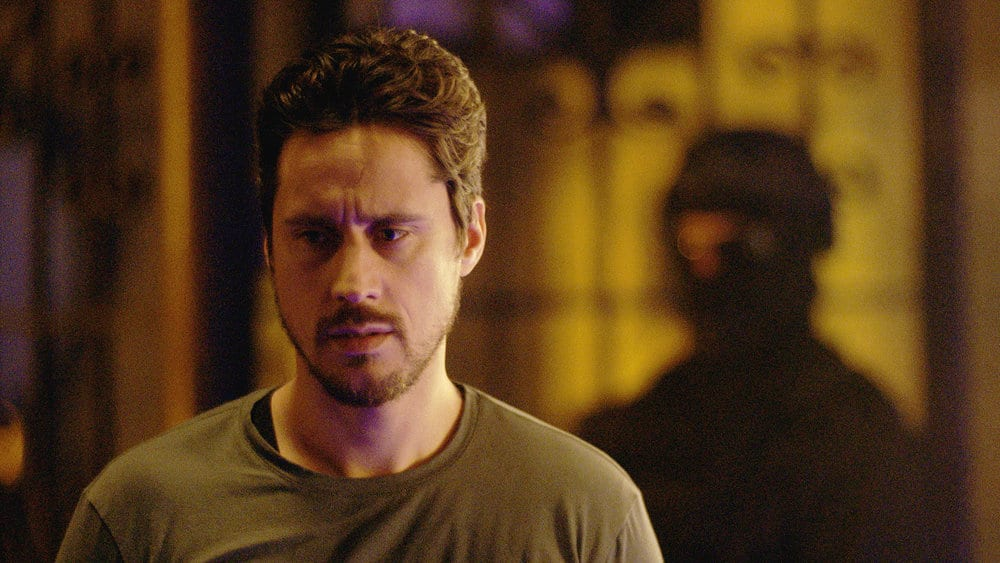 """QUEEN OF THE SOUTH Season 5 Episode 8 -- """"Everything I Touch"""" Episode 508 -- Pictured in this screengrab: Peter Gadiot as James Valdez -- (Photo by: USA Network)"""