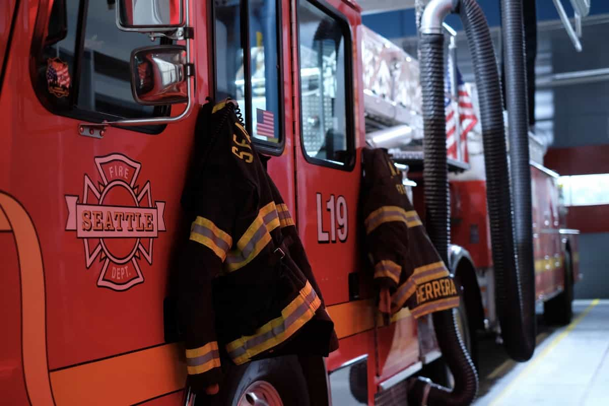 """STATION 19 Season 4 Episode 15 - """"Say Her Name"""" – When Vic helps her parents through a devastating loss, they have a long overdue conversation about the anguish of being Black in America on a new episode of """"Station 19,"""" THURSDAY, MAY 27 (8:00-9:00 p.m. EDT), on ABC. (ABC/Ron Batzdorff) STATION 19"""