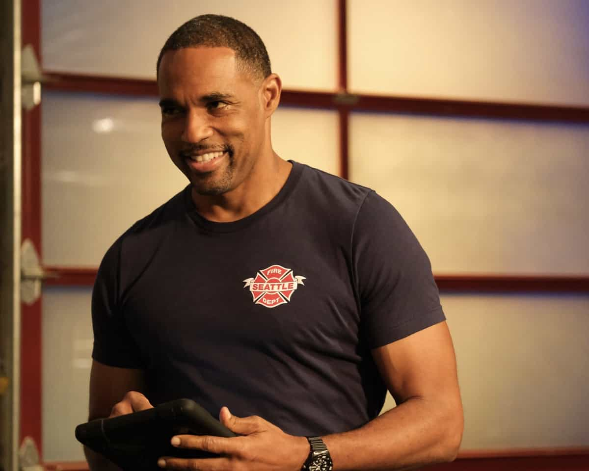 """STATION 19 Season 4 Episode 15 - """"Say Her Name"""" – When Vic helps her parents through a devastating loss, they have a long overdue conversation about the anguish of being Black in America on a new episode of """"Station 19,"""" THURSDAY, MAY 27 (8:00-9:00 p.m. EDT), on ABC. (ABC/Ron Batzdorff) JASON GEORGE"""