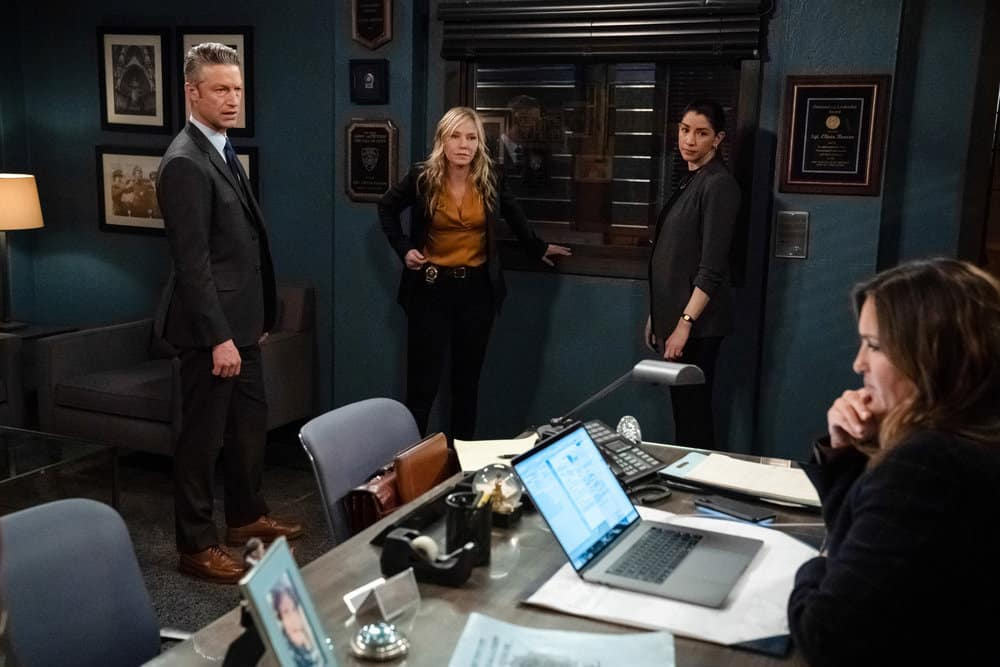 """LAW AND ORDER SVU Season 22 Episode 15 -- """"What Can Happen In The Dark"""" Episode 22015 -- Pictured: (l-r) Peter Scanavino as Assistant District Attorney Sonny Carisi, Kelli Giddish as Detective Amanda Rollins, Jamie Gray Hyder as Officer Katriona """"Kat"""" Azar Tamin, Mariska Hargitay as Captain Olivia Benson -- (Photo by: Heidi Gutman/NBC)"""