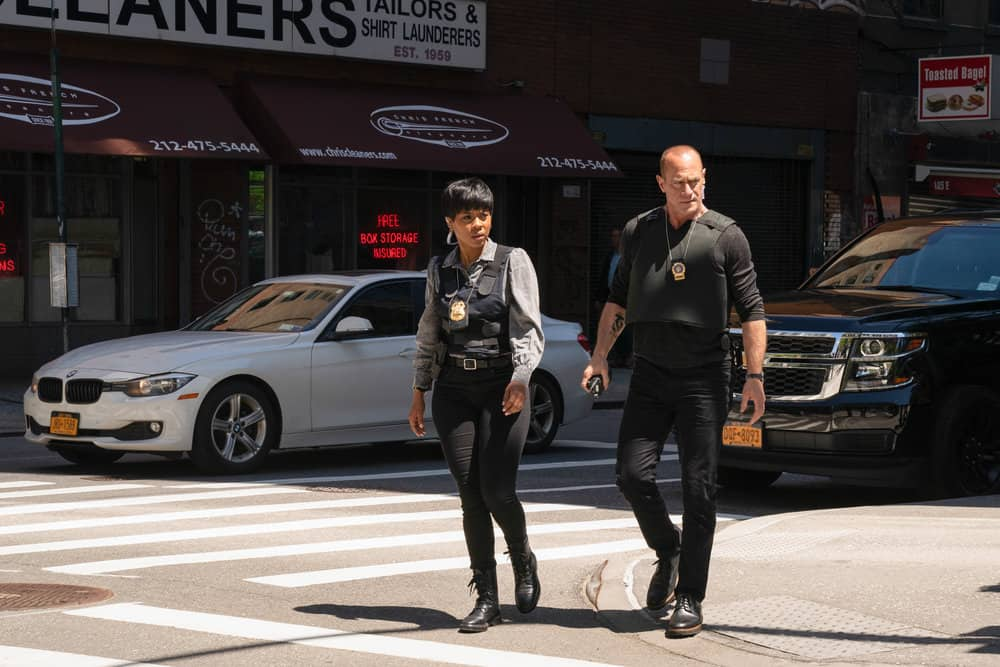 """LAW AND ORDER ORGANIZED CRIME Season 1 Episode 7 -- """"Everybody Takes A Beating Sometime"""" Episode 107 -- Pictured: (l-r) Danielle Moné Truitt as Sergeant Ayanna Bell, Christopher Meloni as Detective Elliot Stabler -- (Photo by: Virginia Sherwood/NBC)"""