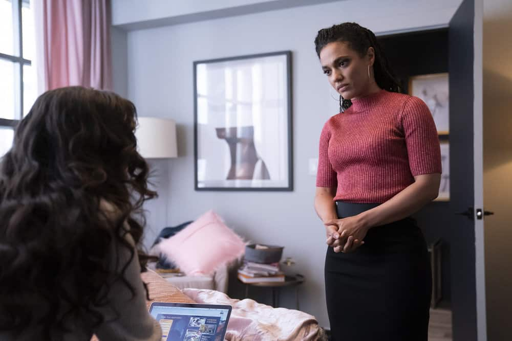 """NEW AMSTERDAM Season 3 Episode 13 -- """"Fight Time"""" Episode 313 -- Pictured: Freema Agyeman as Dr. Helen Sharpe -- (Photo by: Barbara Nitke/NBC)"""