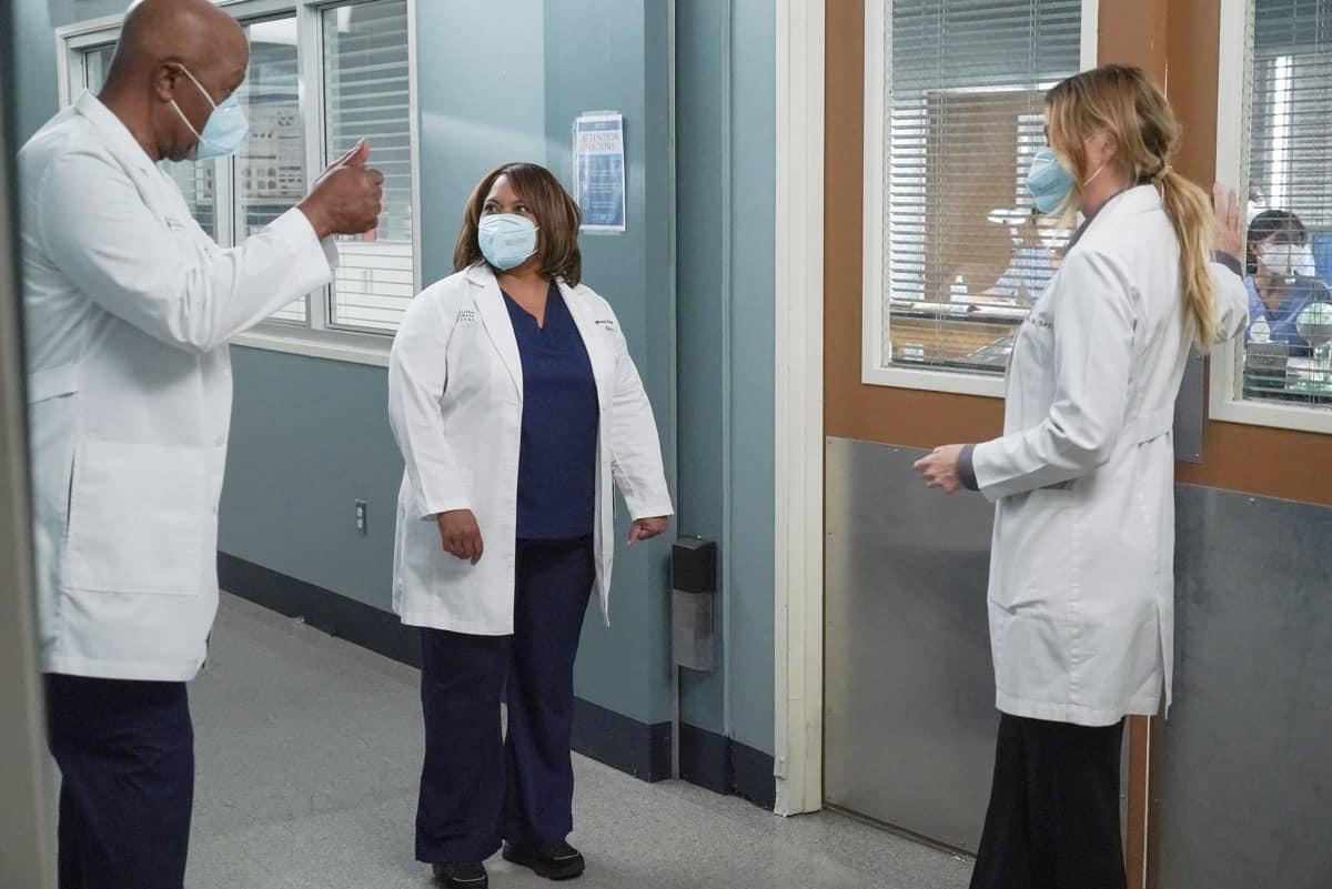GREY'S ANATOMY Season 17 Episode 17 Photos Someone Saved My Life Tonight