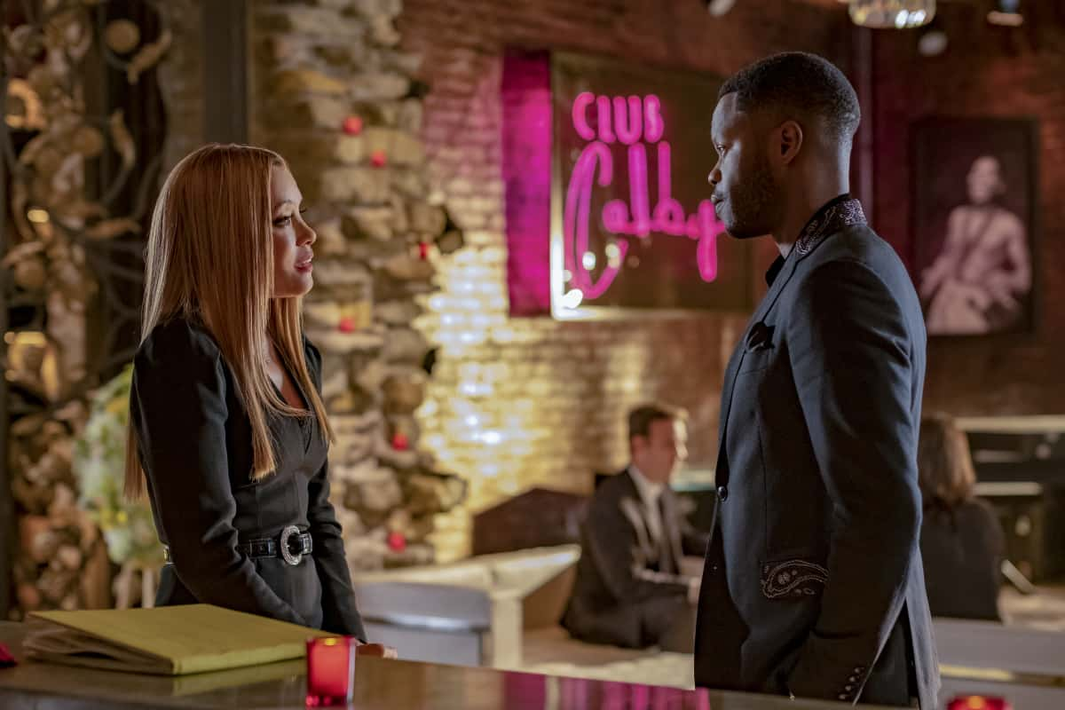 """DYNASTY Season 4 Episode 5 -- """"New Hopes, New Beginnings"""" -- Image Number: DYN405a_0254r.jpg -- Pictured (L-R): Michael Michele as Dominique Deveraux and Sam Adegoke as Jeff Colby -- Photo: Wilford Harewood/The CW -- © 2021 The CW Network, LLC. All Rights Reserved"""