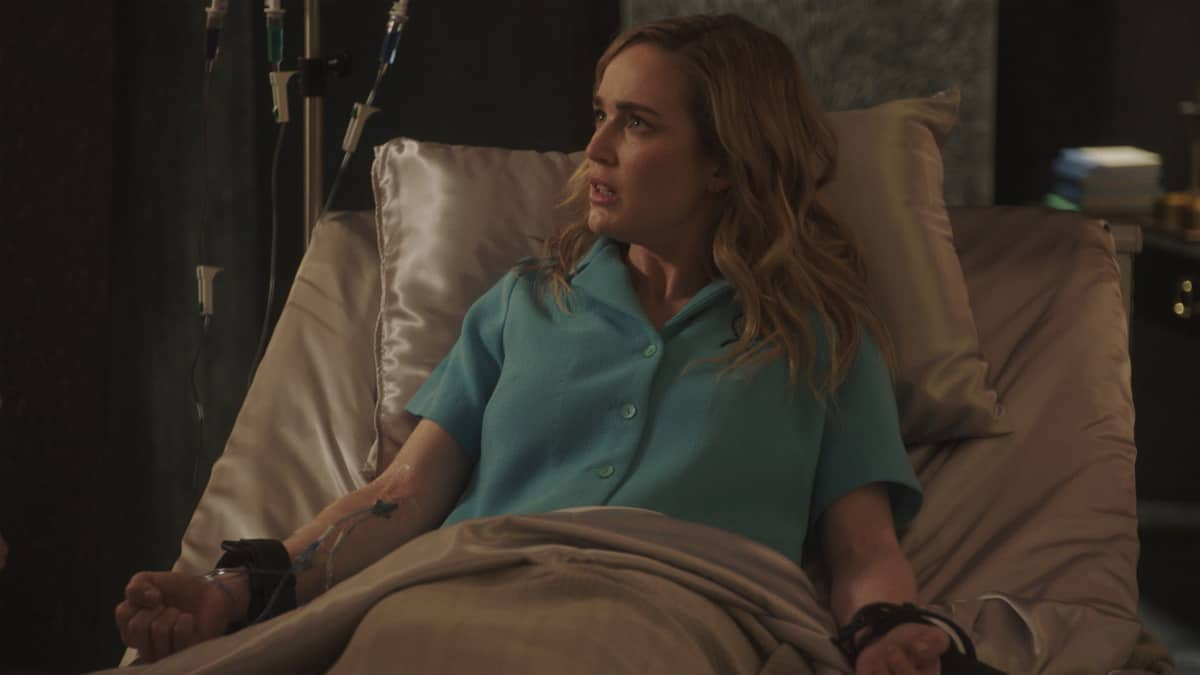 """LEGENDS OF TOMORROW Season 6 Episode 5 -- """"The Satanist\'s Apprentice"""" -- Image Number: LGN605fg_0008.jpg -- Pictured: Caity Lotz as Sara Lance -- Photo: The CW -- © 2021 The CW Network, LLC. All Rights Reserved."""