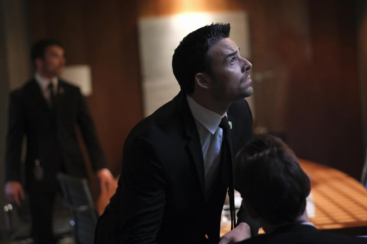 """BATWOMAN Season 2 Episode 15 -- """"Armed and Dangerous"""" -- Image Number: BWN215a_0111r -- Pictured:  Jesse Hutch as Agent Russell Tavaroff -- Photo: Bettina Strauss/The CW -- © 2021 The CW Network, LLC. All Rights Reserved."""