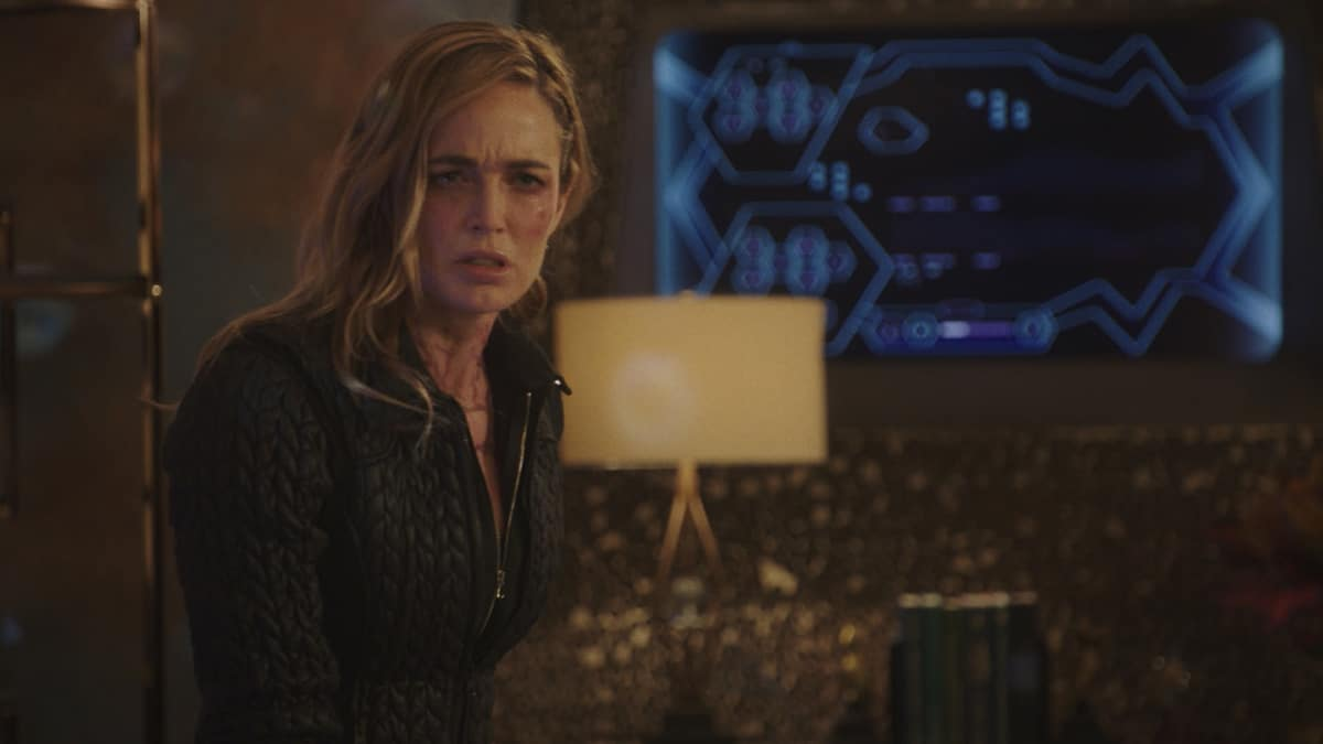 """LEGENDS OF TOMORROW Season 6 Episode 5 -- """"The Satanist\'s Apprentice"""" -- Image Number: LGN605fg_0004.jpg -- Pictured: Caity Lotz as Sara Lance -- Photo: The CW -- © 2021 The CW Network, LLC. All Rights Reserved."""