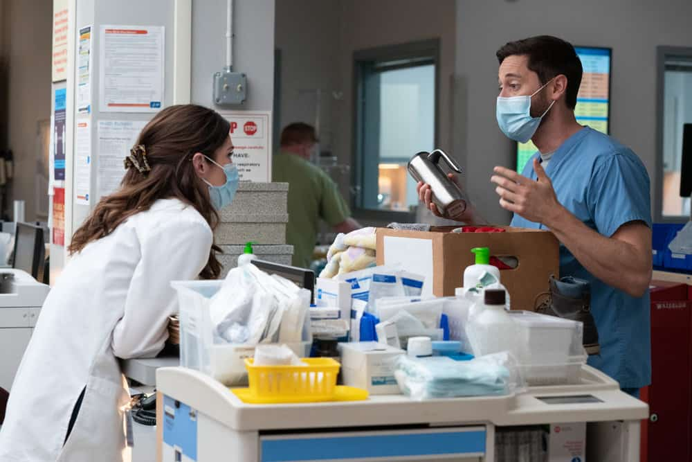 """NEW AMSTERDAM Season 3 Episode 14 -- """"Death Begins in Radiology"""" Episode 314 -- Pictured: (l-r) Janet Montgomery as Dr. Lauren Bloom, Ryan Eggold as Dr. Max Goodwin -- (Photo by: Virginia Sherwood/NBC)"""