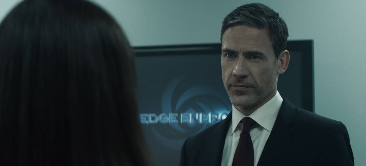 """SUPERMAN AND LOIS Season 1 Episode 9 -- """"Loyal Subjekts"""" -- Image Number: SML109fg_0005r.jpg -- Pictured: Adam Rayner as Morgan Edge -- Photo: The CW -- © 2021 The CW Network, LLC. All Rights Reserved.Photo Credit: Bettina Strauss"""