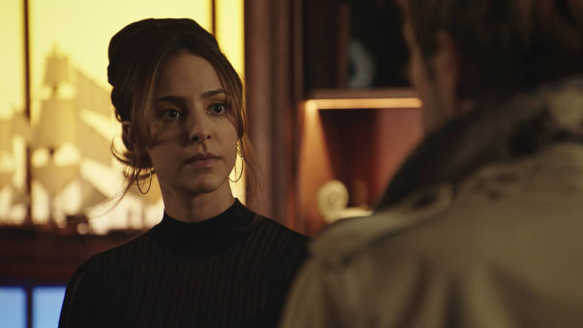 """LEGENDS OF TOMORROW Season 6 Episode 6 -- """"Bishop\'s Gambit"""" -- Image Number: LGN606fg_0045r.jpg -- Pictured: Tala Ashe as Zari Tarazi -- Photo: The CW -- © 2021 The CW Network, LLC. All Rights Reserved."""