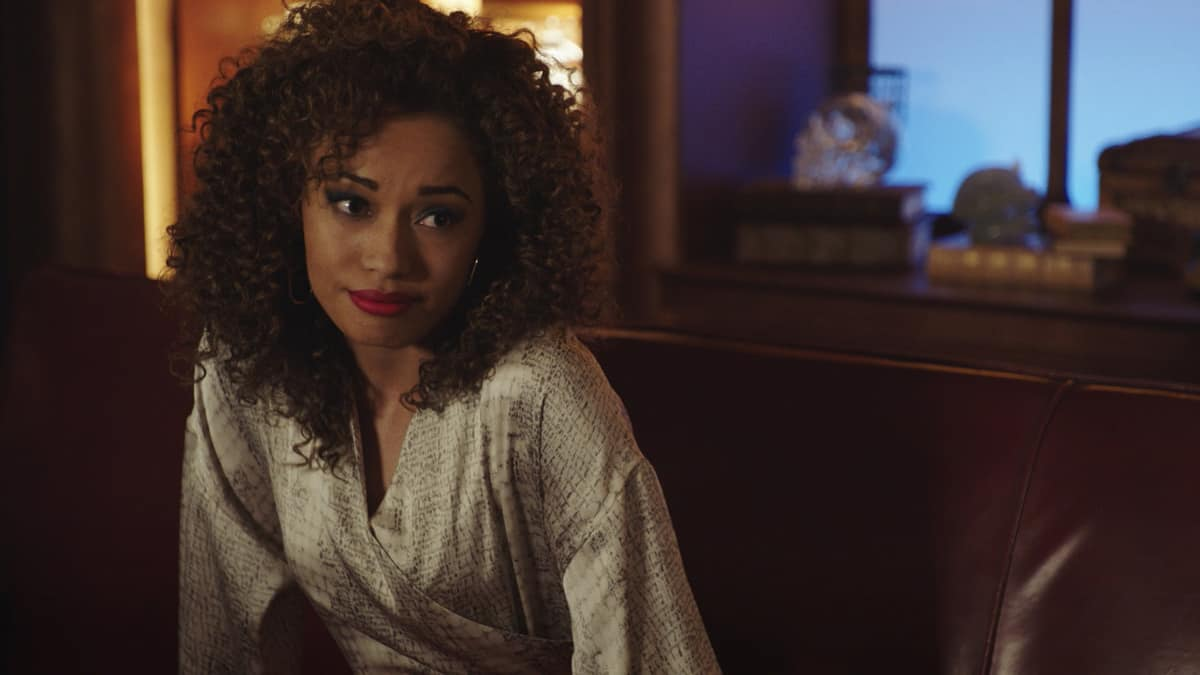 """LEGENDS OF TOMORROW Season 6 Episode 6 -- """"Bishop\'s Gambit"""" -- Image Number: LGN606fg_0047r.jpg -- Pictured: Olivia Swann as Astra Logue -- Photo: The CW -- © 2021 The CW Network, LLC. All Rights Reserved."""