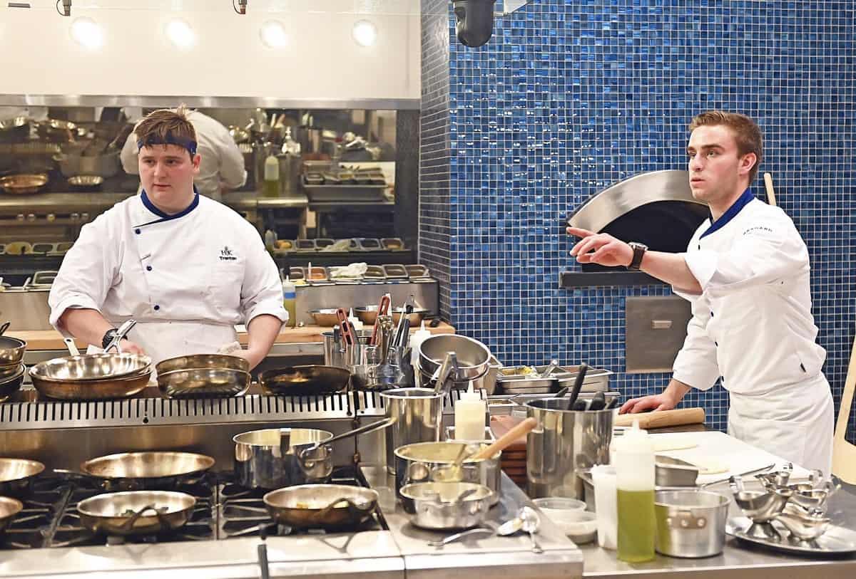 HK2002 dinnerservice 000186061 f
