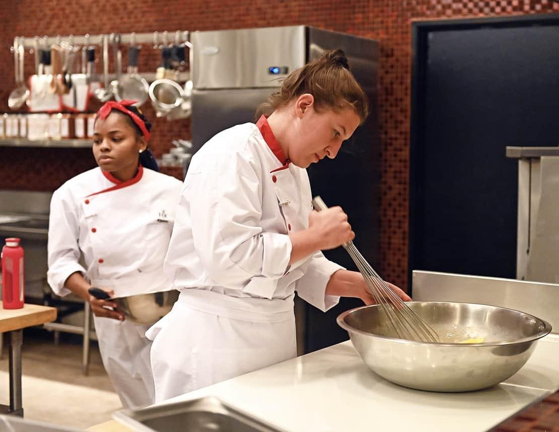 "HELL'S KITCHEN Season 20 Episode 4: L-R: Contestant Keanu and Josie in the ""Young Guns: Young Guns Going Big"" episode airing Monday, June 21 (8:00-9:00 PM ET/PT) on FOX. CR: Scott Kirkland / FOX. © 2021 FOX MEDIA LLC."