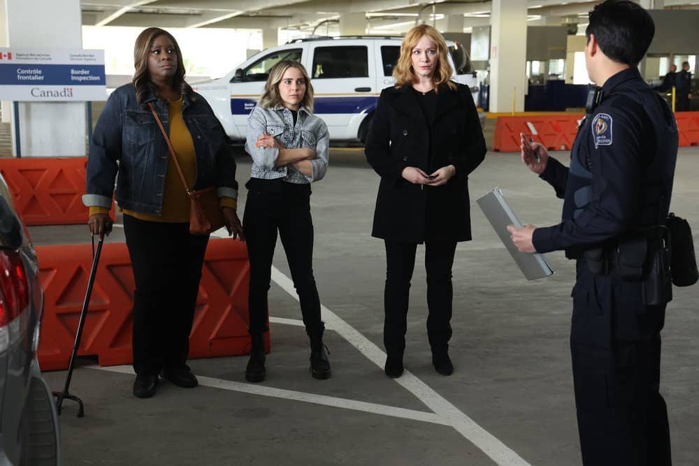 """GOOD GIRLS Season 4 Episode 11 -- """"Put It All On Two"""" Episode 411 -- Pictured: (l-r) Retta as Ruby Hill, Mae Whitman as Annie Marks, Christina Hendricks as Beth Boland -- (Photo by: Jordin Althaus/NBC)"""