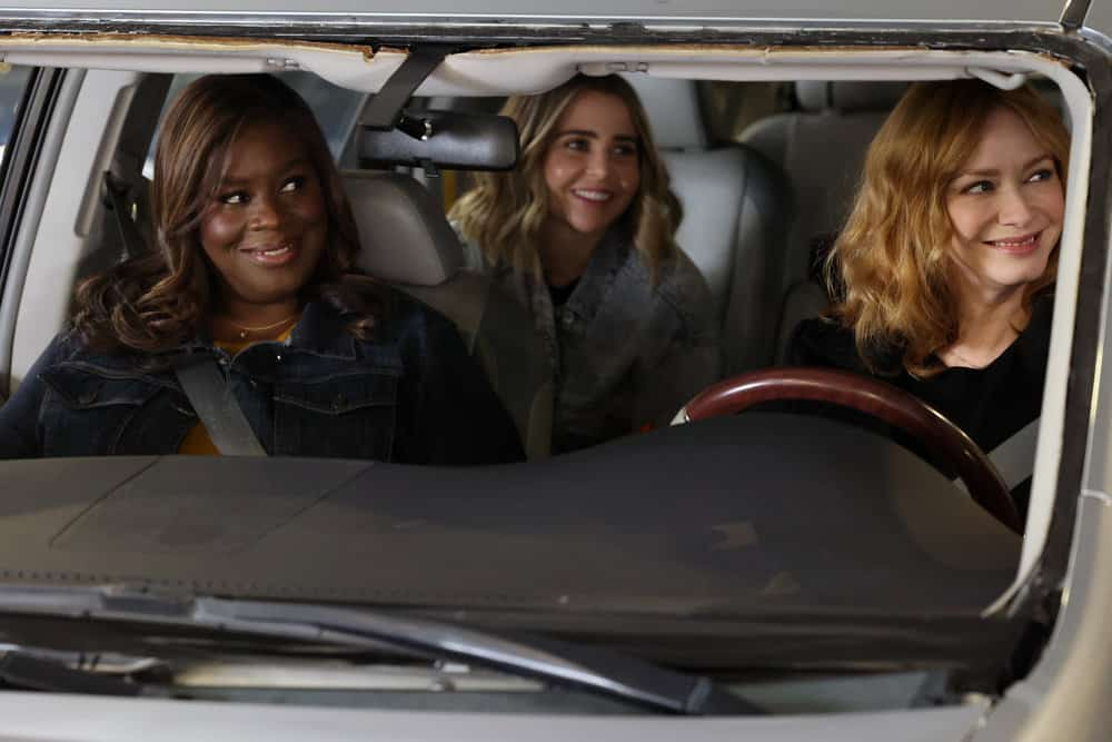 """GOOD GIRLS Season 4 Episode 11-- """"Put It All On Two"""" Episode 411 -- Pictured: (l-r) Retta as Ruby Hill, Mae Whitman as Annie Marks, Christina Hendricks as Beth Boland -- (Photo by: Jordin Althaus/NBC)"""