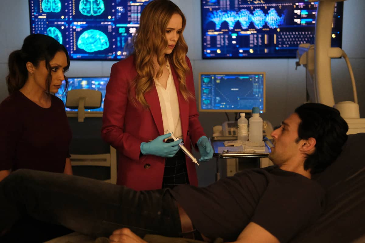 """THE FLASH Season 7 Episode 16 -- """"P.O.W."""" -- Image Number: FLA716a_0484.jpg – Pictured (L-R): Danielle Nicolet as Cecile Horton and Danielle Panabaker as Caitlin Snow -- Photo: Bettina Strauss/The CW -- © 2021 The CW Network, LLC. All Rights Reserved. Photo Credit: Bettina Strauss"""