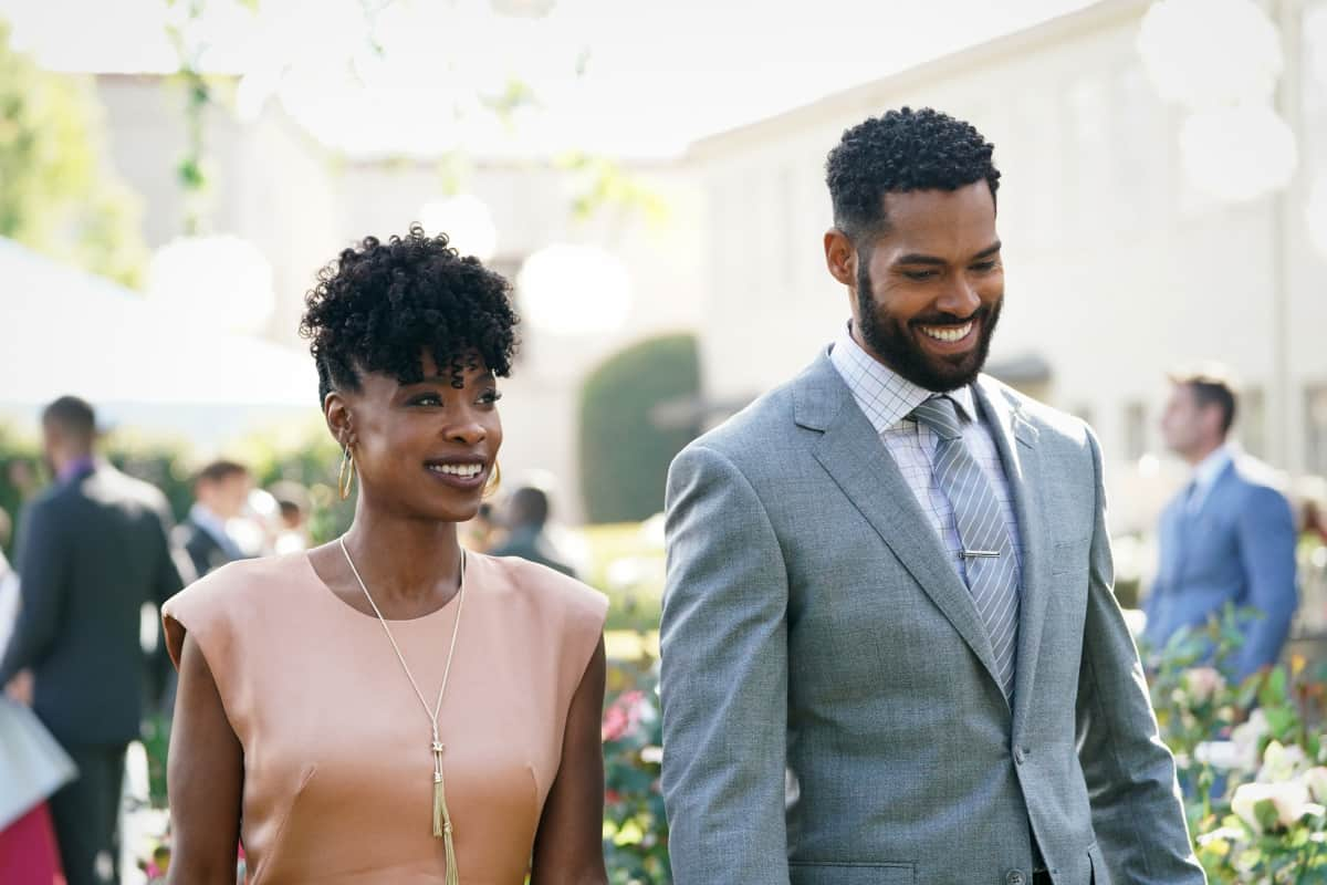 """ALL AMERICAN Season 3 Episode 18 -- """"Int\'l Players Anthem (I Choose You)"""" -- Image Number: ALA317a_1121r.jpg -- Pictured (L-R): Karimah Westbrook as Grace and Lamon Archey as D\'Angelo Carter -- Photo: Bill Inoshita /The CW -- © 2021 The CW Network, LLC. All Rights Reserved."""