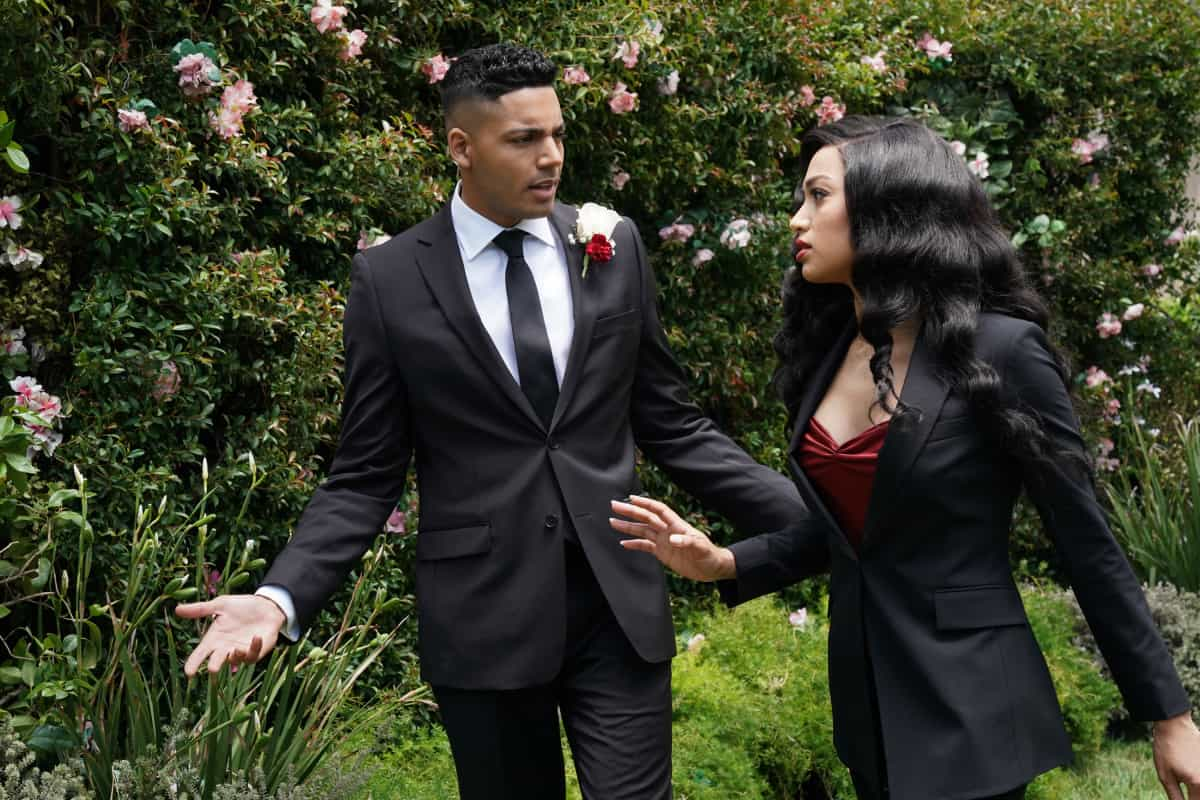 """ALL AMERICAN Season 3 Episode 18 -- """"Int\'l Players Anthem (I Choose You)"""" -- Image Number: ALA317a_0324r.jpg -- Pictured (L-R): Michael Evans Behling as Jordan and Samantha Logan as Olivia -- Photo: Bill Inoshita /The CW -- © 2021 The CW Network, LLC. All Rights Reserved."""