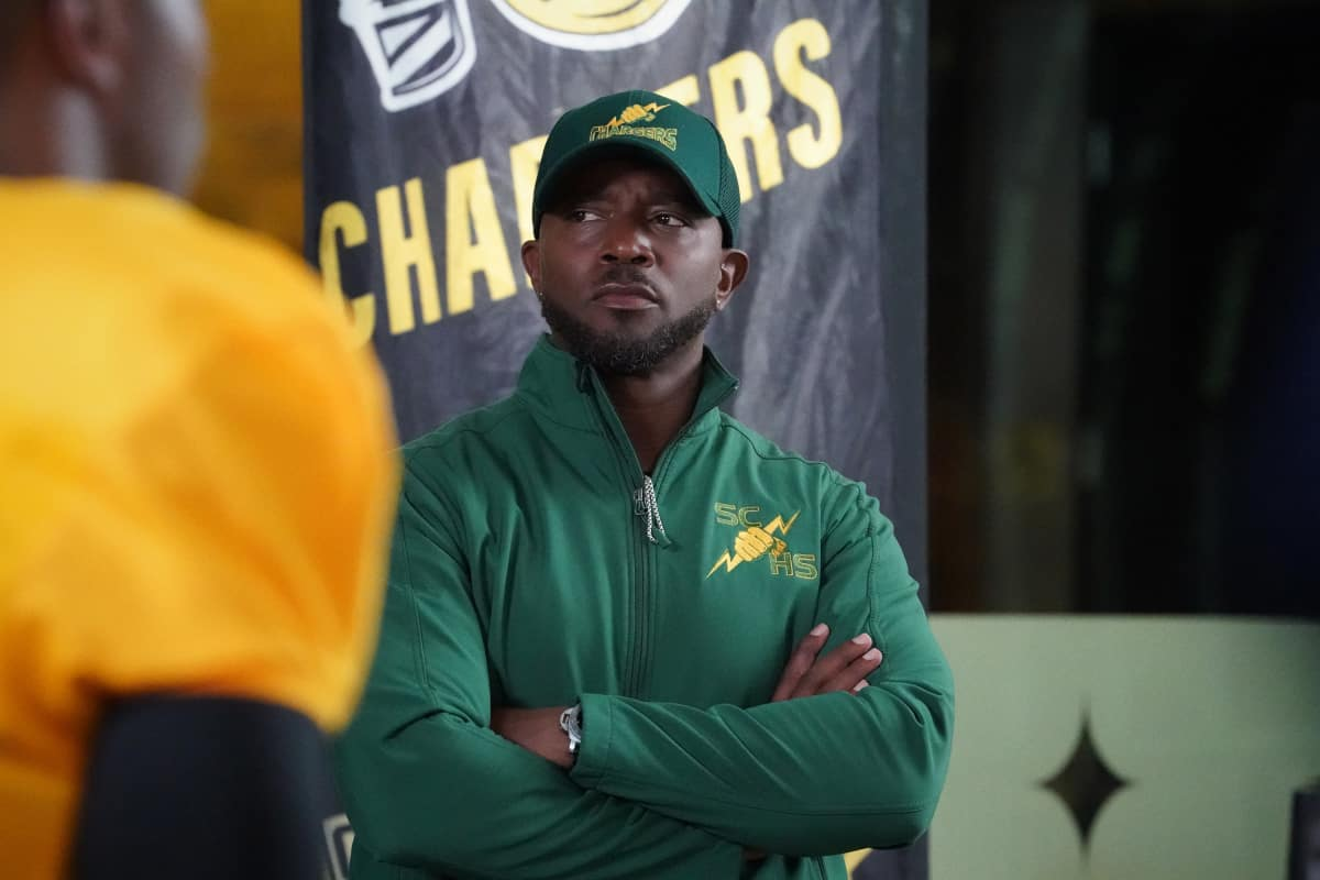"""ALL AMERICAN Season 3 Episode 19 -- """"Surviving the Times"""" -- Image Number: ALA318b_0908r.jpg -- Pictured: Taye Diggs as Billy -- Photo: Bill Inoshita /The CW -- © 2021 The CW Network, LLC. All Rights Reserved."""