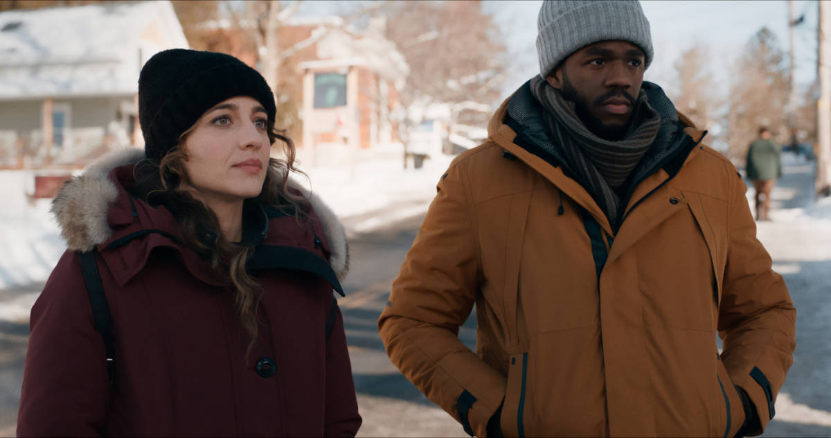"""THE REPUBLIC OF SARAH Season 1 Episode 6 -- """"A Show of Hands"""" -- Image Number: REP106fg_0004r -- Pictured (L-R): Stella Baker as Sarah Cooper and Ian Duff as Grover Sims -- Photo: The CW -- © 2021 The CW Network, LLC. All Rights Reserved."""
