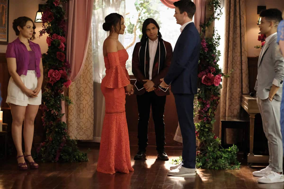 """THE FLASH Season 7 Episode 18 -- """"Heart of the Matter, Part 2"""" -- Image Number: FLA718a_0140r.jpg -- Pictured (L-R): Jessica Parker Kennedy as Nora/XS, Candice Patton as Iris West - Allen, Carlos Valdes as Cisco Ramon, Grant Gustin as Barry Allen and Jordan Fisher as Bart/Impulse -- Photo: Bettina Strauss/The CW -- © 2021 The CW Network, LLC. All Rights Reserved"""