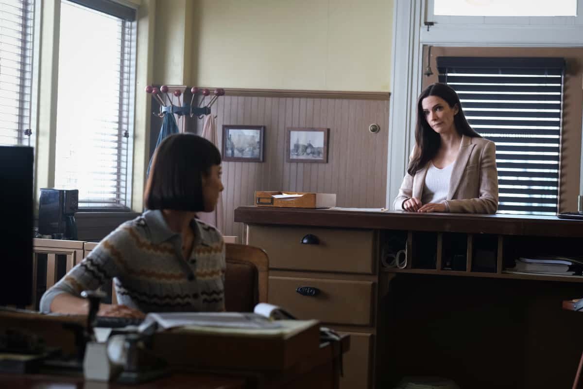 """SUPERMAN AND LOIS Season 1 Episode 13 -- """"Fail Safe"""" -- Image Number: SML113a_0008r.jpg -- Pictured (L-R): Sofia Hasmik as Chrissy Beppo and  Bitsie Tulloch as Lois Lane -- Photo: Bettina Strauss/The CW -- © 2021 The CW Network, LLC. All Rights Reserved"""