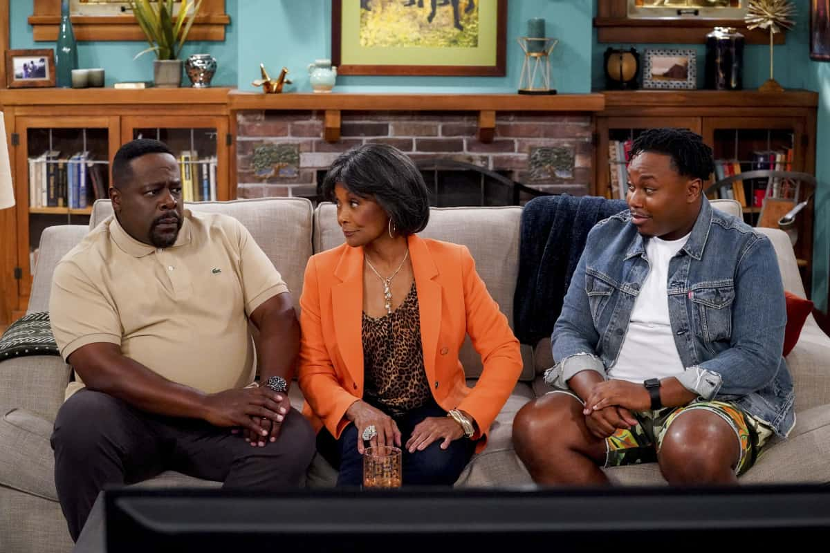 """THE NEIGHBORHOOD Season 4 Episode 1 """"Welcome to the Family"""" - Pictured: Cedric the Entertainer (Calvin Butler), Margaret Avery (Aunt Desiray), and Marcel Spears (Marty Butler). When Dave starts researching his genealogy, he makes a surprising discovery: He and Calvin are more than just neighbors. Also, Tina offers to help Gemma when she's overcome with morning sickness, and inadvertently stumbles on a new business idea, on the fourth season premiere of THE NEIGHBORHOOD, Monday, Sept. 20 (8:00-8:30 PM, ET/PT) on the CBS Television Network and available to stream live and on demand on the CBS app and Paramount+. Photo: Monty Brinton/CBS ©2021 CBS Broadcasting, Inc. All Rights Reserved."""