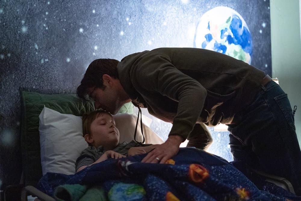 """ORDINARY JOE Season 1 Episode 1 -- """"Pilot"""" -- Pictured: (l-r) John Gluck as Christopher, James Wolk as Joe Kimbreau -- (Photo by: Sandy Morris/NBC)"""
