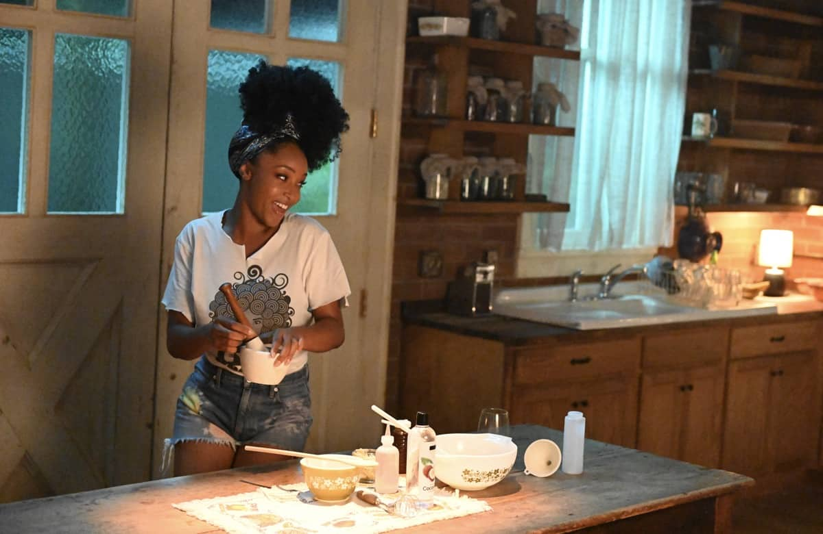 OUR KIND OF PEOPLE Season 1 Episode 1: Yaya DaCosta in OUR KIND OF PEOPLE premiering Tuesday, Sept. 21 (9:00-10:00 PM ET/PT) on FOX. ©2021 FOX MEDIA LLC. Cr: Brownie Harris/FOX.