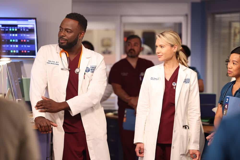 """CHICAGO MED Season 7 Episode 1 -- """"You Can't Always Trust What You See"""" Episode 701 -- Pictured: (l-r) Guy Lockard as Dr. Dylan Scott, Kristin Hager as Dr. Stevie Hammer -- (Photo by: George Burns Jr/NBC)"""