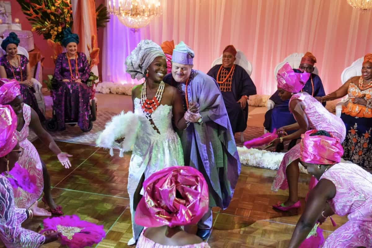 BOB HEARTS ABISHOLA Season 3 Episode 2 – It's wedding time! With a traditional Nigerian wedding approaching, the Wheelers are formally introduced to Abishola's family. Also, while Bob sets out to the market to fulfill Abishola's bride price, Abishola tries to keep the peace between her mother and Auntie Olu, on BOB HEARTS ABISHOLA, Monday, Sept. 27 (8:30-9:00 PM, ET/PT) on the CBS Television Network and available to stream live and on demand on Paramount+. Pictured (L-R): Folake Olowofoyeku as Abishola and Billy Gardell as Bob. Photo: Michael Yarish/CBS ©2021 CBS Broadcasting, Inc. All Rights Reserved.