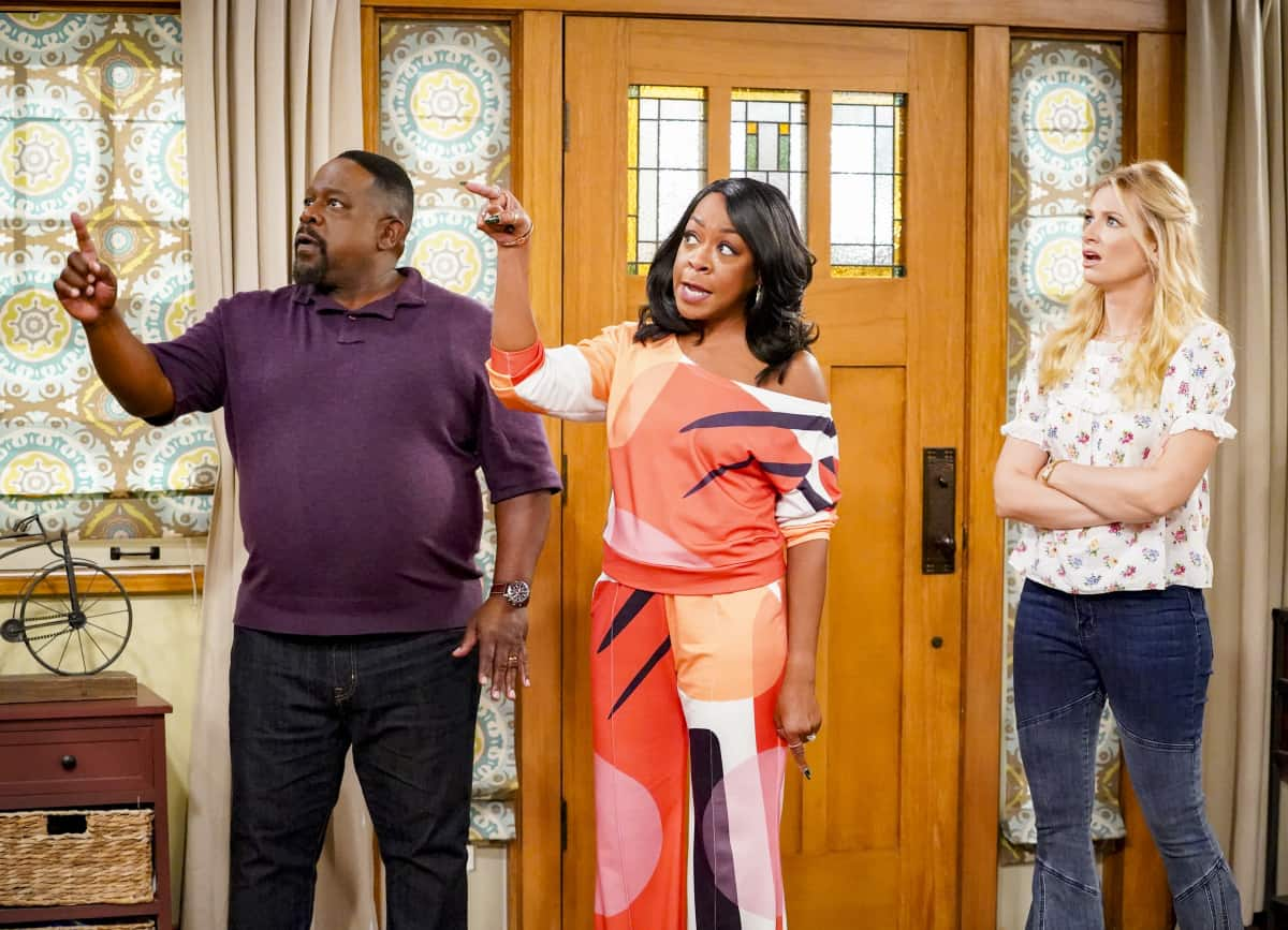 """THE NEIGHBORHOOD Season 4 Episode 2 """"Welcome to the Intervention"""" - Pictured: Cedric the Entertainer (Calvin Butler), Tichina Arnold (Tina Butler) and Beth Behrs (Gemma Johnson). When a member of the community's behavior becomes increasingly erratic, Calvin and Dave step up to help. Also, Marty undergoes a dramatic makeover to impress a longtime crush, on THE NEIGHBORHOOD, Monday, Sept. 27 (8:00-8:30 PM, ET/PT) on the CBS Television Network and available to stream live and on demand on Paramount+. Photo: Monty Brinton/CBS ©2021 CBS Broadcasting, Inc. All Rights Reserved."""