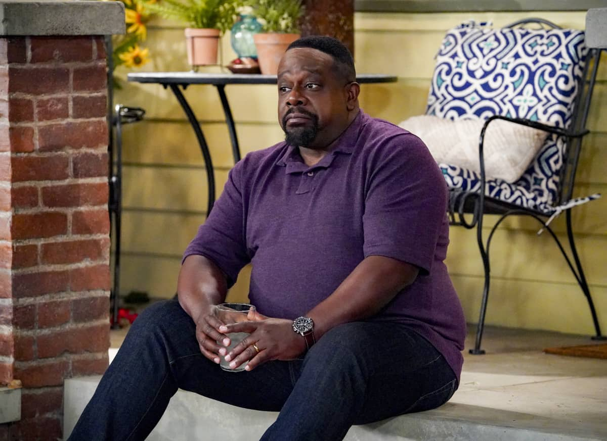 """THE NEIGHBORHOOD Season 4 Episode 2 """"Welcome to the Intervention"""" - Pictured: Cedric the Entertainer (Calvin Butler). When a member of the community's behavior becomes increasingly erratic, Calvin and Dave step up to help. Also, Marty undergoes a dramatic makeover to impress a longtime crush, on THE NEIGHBORHOOD, Monday, Sept. 27 (8:00-8:30 PM, ET/PT) on the CBS Television Network and available to stream live and on demand on Paramount+. Photo: Monty Brinton/CBS ©2021 CBS Broadcasting, Inc. All Rights Reserved."""